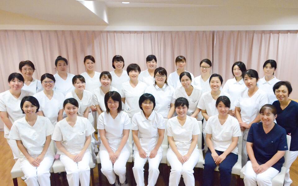 看護部のスタッフたち1